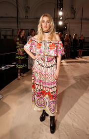 Ellie Goulding went for some boho charm with this floral off-the-shoulder dress by Temperley London during the brand's fashion show.
