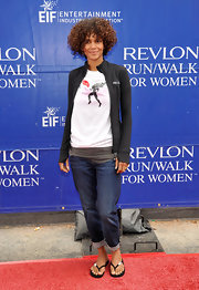 Halle cuffed her capri jeans at the Fruit of the Loom Walk/Run.