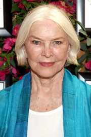 Ellen Burstyn visited the GBK Productions Luxury Lounge wearing this platinum-blonde bob.