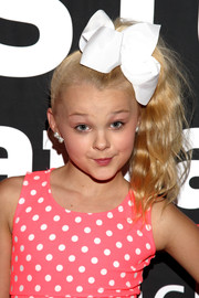 JoJo Siwa styled her hair into a high, wavy ponytail for the pre-Kids' Choice event.