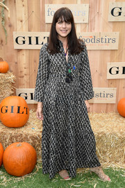 Selma Blair opted for a printed maxi dress when she attended the Gilt & Foodstirs Exclusive Cupcake Kit celebration.