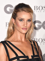 Rosie Huntington-Whiteley styled her hair into a classic half-up 'do for the 2018 GQ Men of the Year Awards.