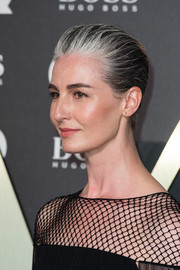 Erin O'Connor rocked a short, gray-streaked hairstyle at the 2019 GQ Men of the Year Awards.