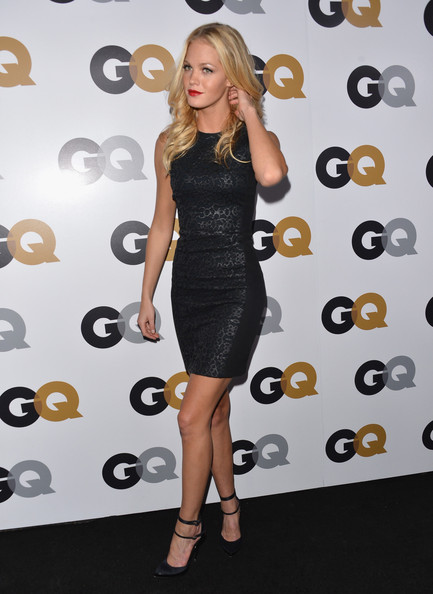 More Pics of Erin Heatherton Long Wavy Cut (5 of 9) - Erin Heatherton Lookbook - StyleBistro