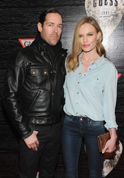 A metallic gold Zagliani python clutch added a super-sophisticated touch to Kate Bosworth's casual outfit at the Guess New York Fashion Week party.
