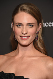 Julie Henderson opted for a simple yet elegant loose, side-parted hairstyle when she attended the Angel Ball.