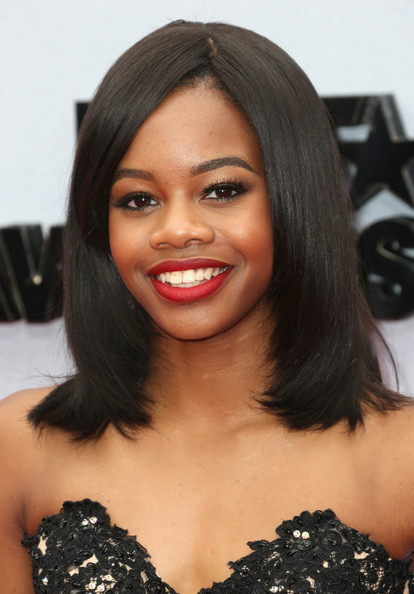 Gabrielle Douglas Medium Straight Cut