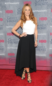Molly Sims looked sassy at the 'Game of Thrones' season 4 premiere in a black-and-white Alice + Olivia dress with waste cutouts and a high-low hem.