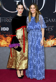 Amanda Peet attended the 'Game of Thrones' season 8 premiere wearing a blue floral gown by Carolina Herrera.