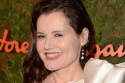 Geena Davis Medium Curls