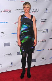 Jenna Elfman wore an abstract print dress at the Backstage at the Geffen Gala.