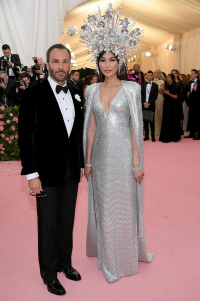 Gemma Chan Beaded Dress [red carpet,fashion,clothing,carpet,dress,formal wear,suit,event,flooring,haute couture,fashion - arrivals,gemma chan,tom ford,notes,fashion,new york city,metropolitan museum of art,met gala celebrating camp]