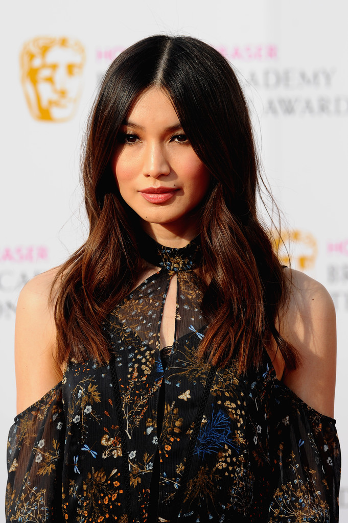 Gemma Chan Long Wavy Cut Hair Lookbook Stylebistro