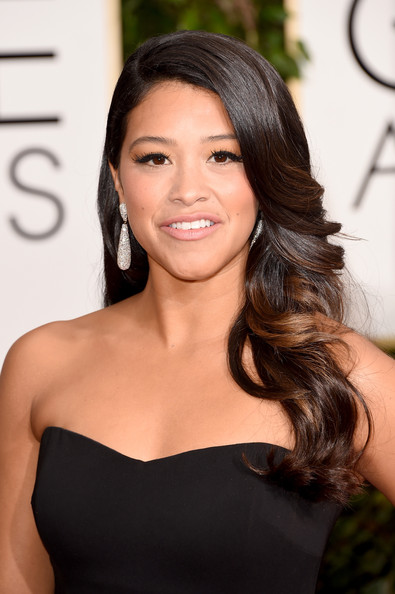 Gina Rodriguez Long Wavy Cut [hair,hairstyle,face,shoulder,eyebrow,long hair,brown hair,beauty,skin,chin,arrivals,gina rodriguez,beverly hills,california,the beverly hilton hotel,annual golden globe awards]