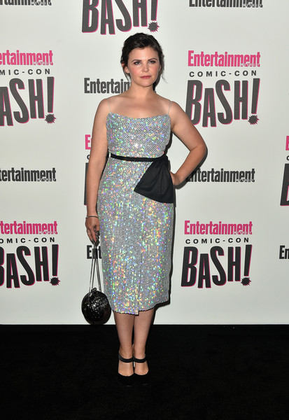 Ginnifer Goodwin Chain Strap Bag