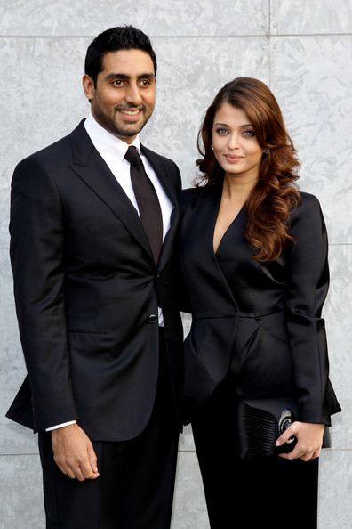 More Pics of Aishwarya Rai Long Wavy Cut (2 of 8) - Aishwarya Rai Lookbook - StyleBistro