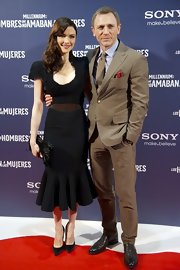 Rachel Weisz accented her '40s style dress with pointed black pumps.