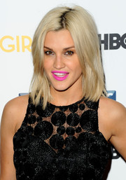 Ashley Roberts totally lit up her look with a bright pink lip color.