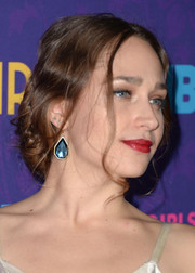 Jemima Kirke went for vintage romance with this loose updo during the 'Girls' season 3 premiere.