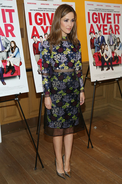 More Pics of Rose Byrne Long Wavy Cut (4 of 13) - Rose Byrne Lookbook - StyleBistro