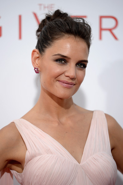 More Pics of Katie Holmes Pink Lipstick (1 of 19) - Makeup Lookbook - StyleBistro [the giver,hair,hairstyle,face,eyebrow,lip,skin,shoulder,chin,beauty,eyelash,arrivals,katie holmes,new york,ziegfeld theater,premiere]