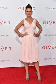 Katie Holmes was vintage-chic in a pale-pink Zac Posen cocktail dress with cape-style detailing during the NYC premiere of 'The Giver.'