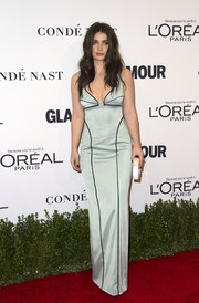 Eve Hewson looked sultry in a low-cut, figure-hugging mint-green gown at the Glamour Women of the Year 2016.