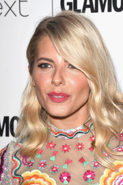 Mollie King looked pretty with her gently wavy hairstyle at the 2017 Glamour Women of the Year Awards.