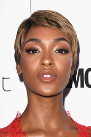 Jourdan Dunn's pixie at the 2017 Glamour Women of the Year Awards was a surprising (and nice) change from her usual long tresses!