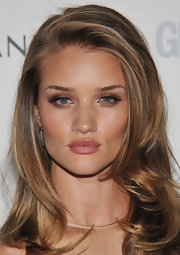 Rosie Huntington-Whiteley wore metallic copper shadow and lots of mascara at the 'Glamour' Women of the Year Awards.