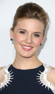 Maggie Grace attended the Global Green USA pre-Oscar party wearing her hair in a glamorous pompadour.