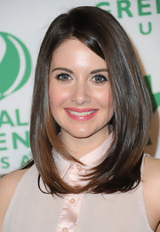 Alison Brie attended the 9th Annual Global Green USA pre-Oscar party wearing her hair in a chic and shiny straight 'do.