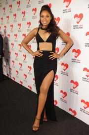 Jennifer Hudson teamed barely-there black sandals with a thigh-baring dress for a sexy look during the Golden Heart Awards.