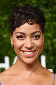 Cush Jumbo styled her hair into a textured pixie for the 2018 God's Love We Deliver, Golden Heart Awards.