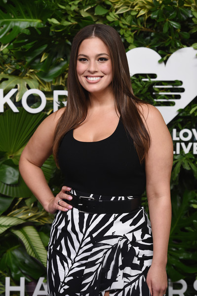 More Pics of Ashley Graham Long Straight Cut (1 of 9) - Ashley Graham Lookbook - StyleBistro