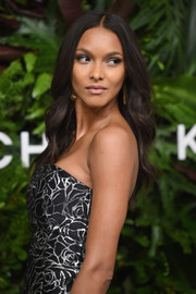Lais Ribeiro looked lovely with her soft waves at the Golden Heart Awards.