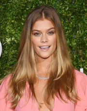 Nina Agdal framed her face with a casual center-parted 'do for the God's Love We Deliver, Golden Heart Awards.