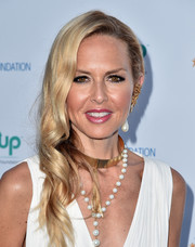 Rachel Zoe wore a glamorous side sweep at the Love In For Kids event.