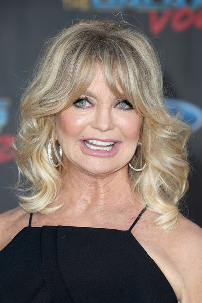 Goldie Hawn Medium Curls with Bangs