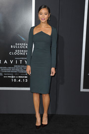 Jamie Chung looked fiercely stylish, as always, in a teal Cushnie et Ochs dress with a geometric neckline during the premiere of 'Gravity.'