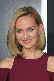 Jess Weixler was a classic beauty at the 'Gravity' premiere with this lovely bob.