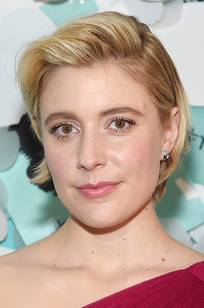 Greta Gerwig Bob [face,hair,eyebrow,hairstyle,blond,chin,lip,forehead,skin,cheek,greta gerwig,believe in dreams campaign launch,new york city,tiffany co,paper flowers event,event,campaign launch]