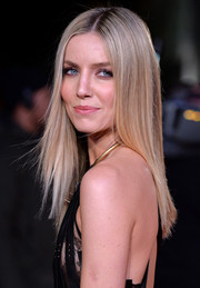 Annabelle Wallis showed off a sleek, stylish 'do at the 'Grimsby' world premiere.