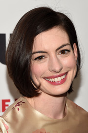 Anne Hathaway wore her hair in a cute and youthful bob when she attended the opening night party for 'Grounded.'