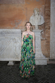Saoirse Ronan looked summery in a graphic green halter gown at the Gucci Cruise 2020 show.
