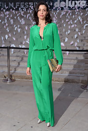 Drena De Niro chose a Kelly green jumpsuit for her chic and contemporary look at the Vanity Fair Party in NYC.