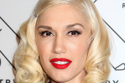 Gwen Stefani Medium Curls