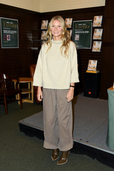 Gwyneth Paltrow Cowboy Boots [the clean plate,shoulder,standing,fashion,joint,outerwear,footwear,shoe,trousers,gwyneth paltrow,gwyneth paltrow signs,california,los angeles,the grove,barnes noble,book signing]