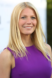 As if Gwyneth Paltrow did have flawless enough skin, the star showed that all she needed for a red carpet event was just a touch of lip gloss.