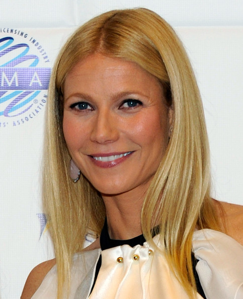 More Pics of Gwyneth Paltrow Ruffle Blouse (5 of 14) - Gwyneth Paltrow Lookbook - StyleBistro